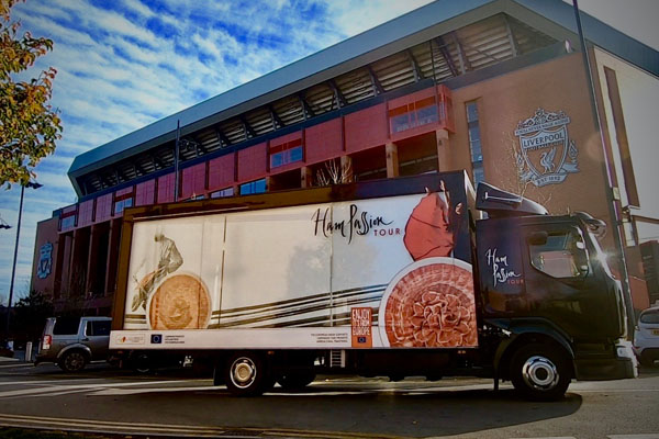 The Ham Truck takes the culture of Iberian ham, jewel of Mediterranean gastronomy, to the heart of Liverpool